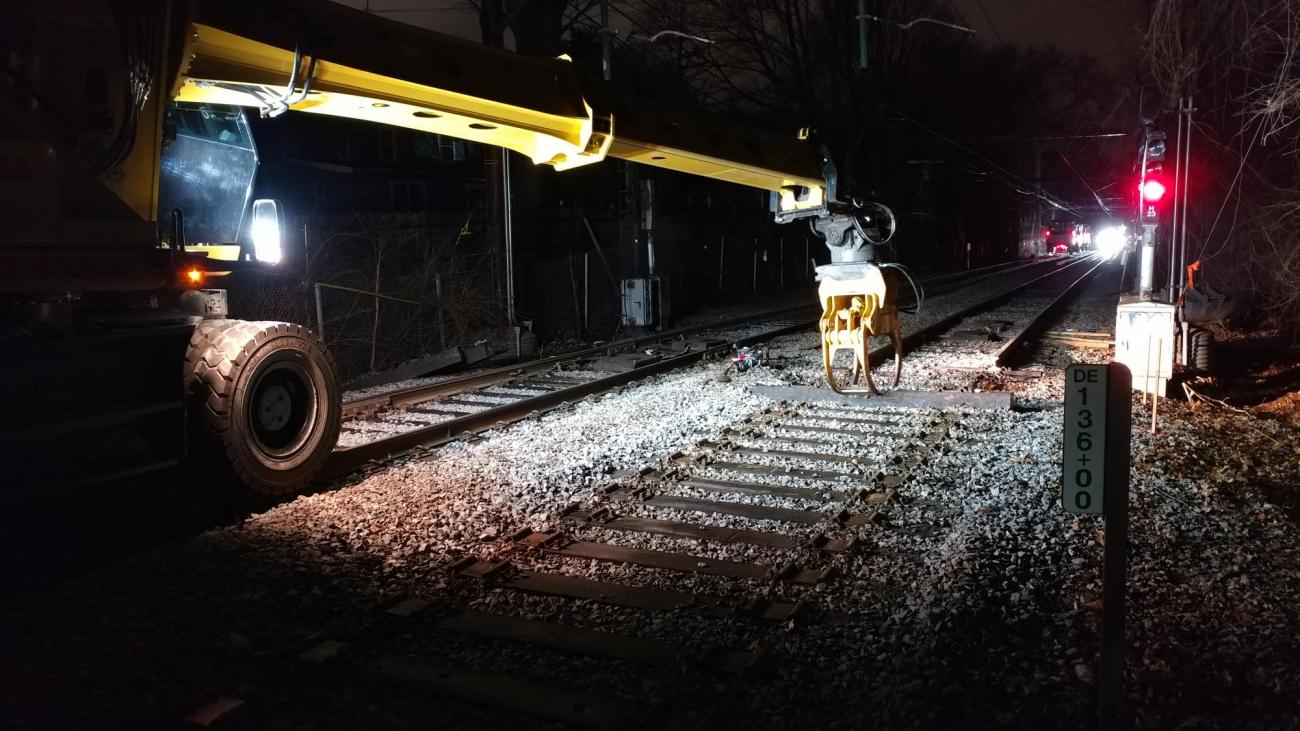 Overnight work to remove rail and ties at Beaconsfield (March 2019)