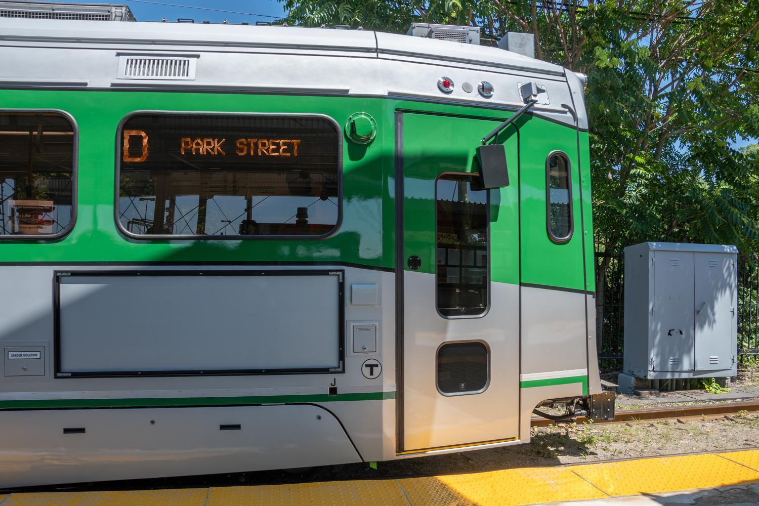 Side view of new Green Line car at Riverside (July 2018)
